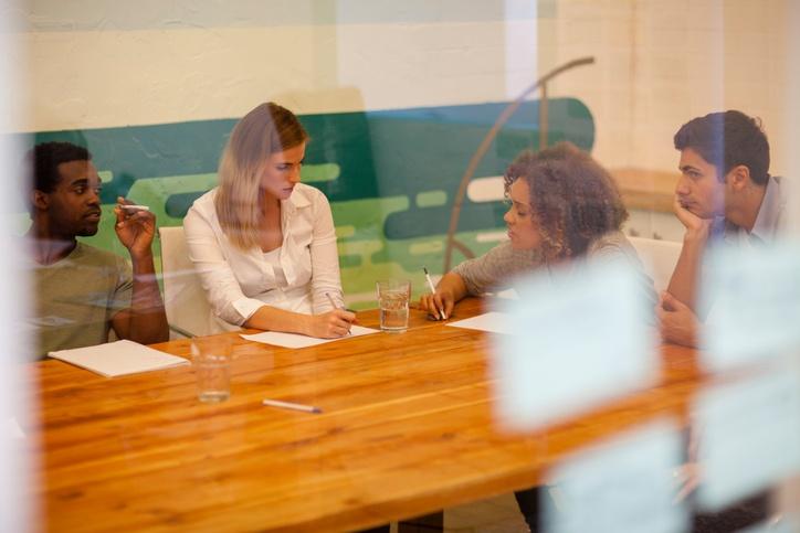 mock-jury-focus-group-mock-trial-jury-consultants.jpg